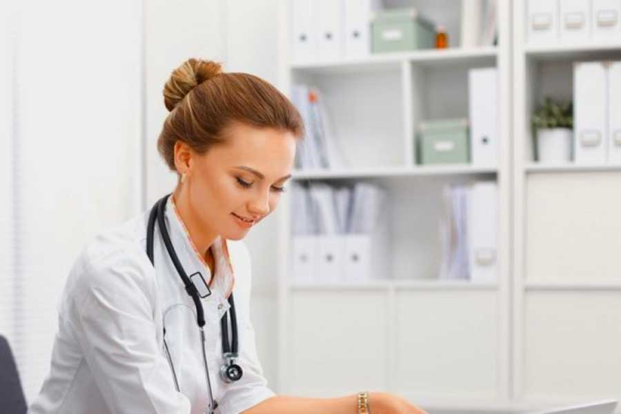 How To Teach Nursing Skills Online: The Complete Guide